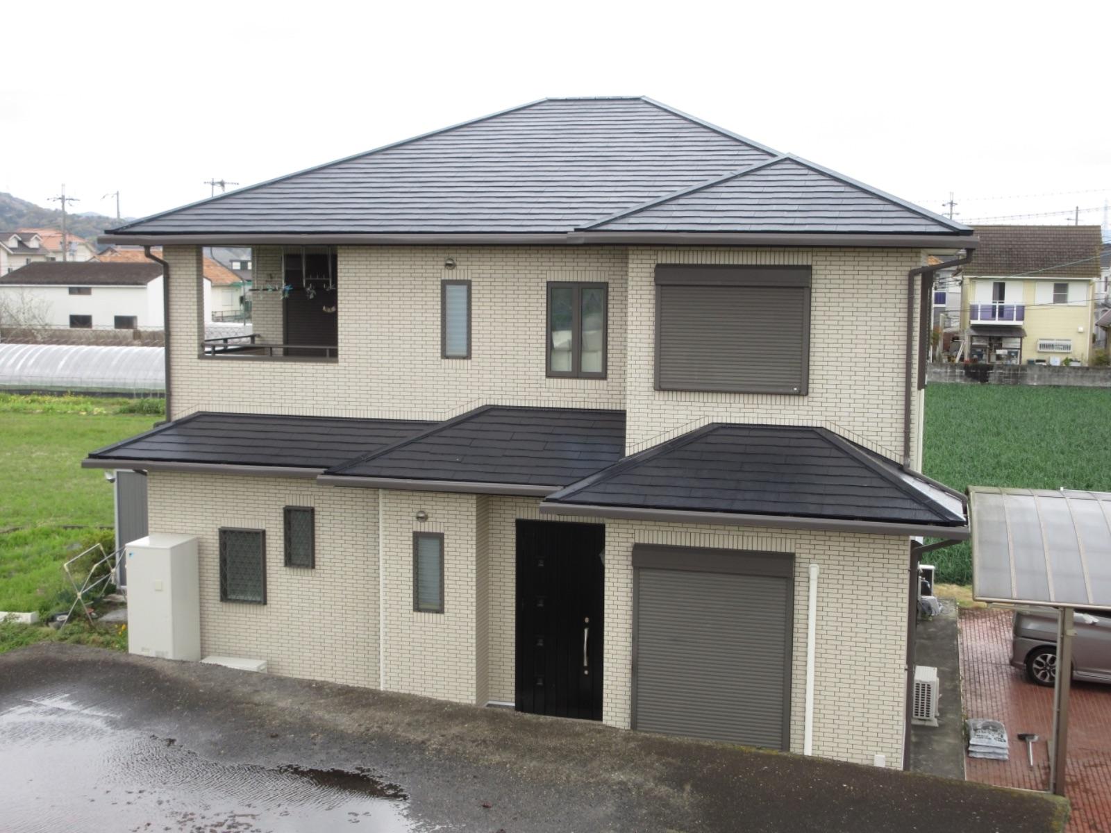 紀の川市 S様邸 屋根・付帯部塗装工事                                      『屋根の印象がガラリと変わり素敵なお家に♫』