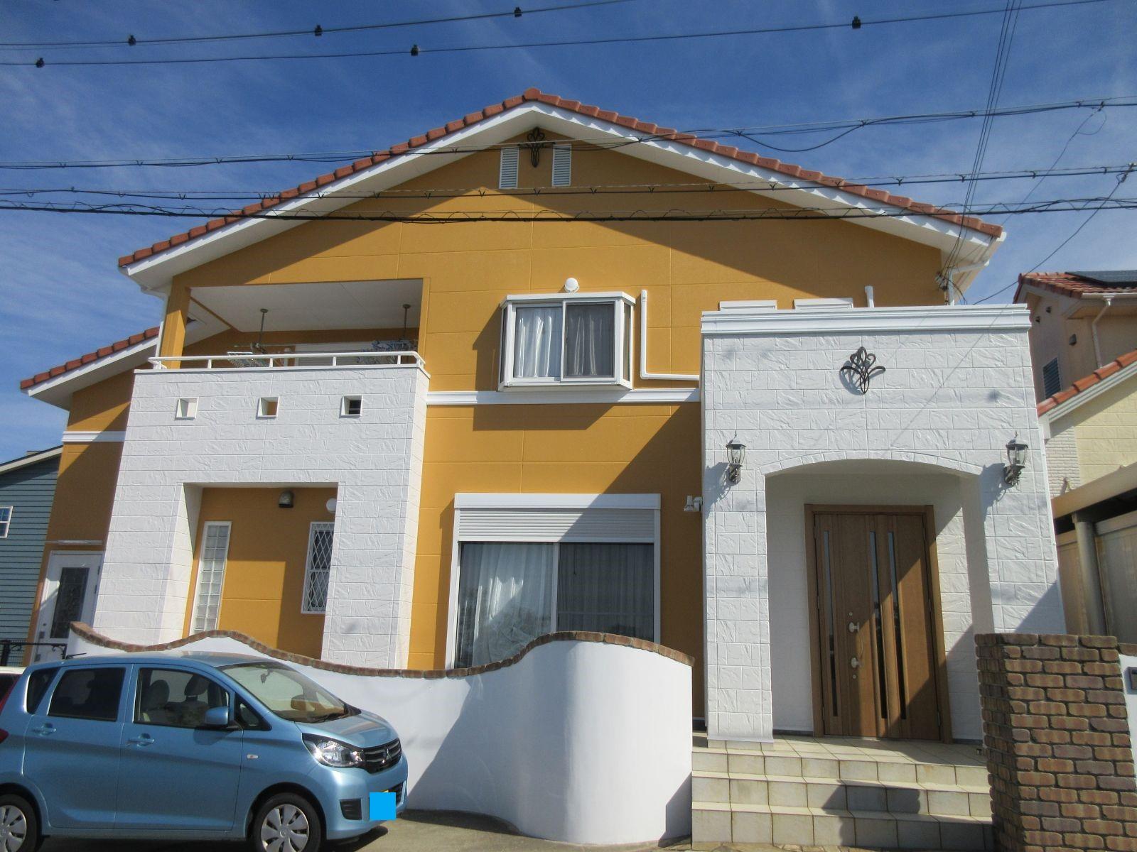 【和歌山市】外壁塗装・U様邸                      『紫外線による色褪せを抑止し                      思い出のあるオレンジにこだわったお家に♪』