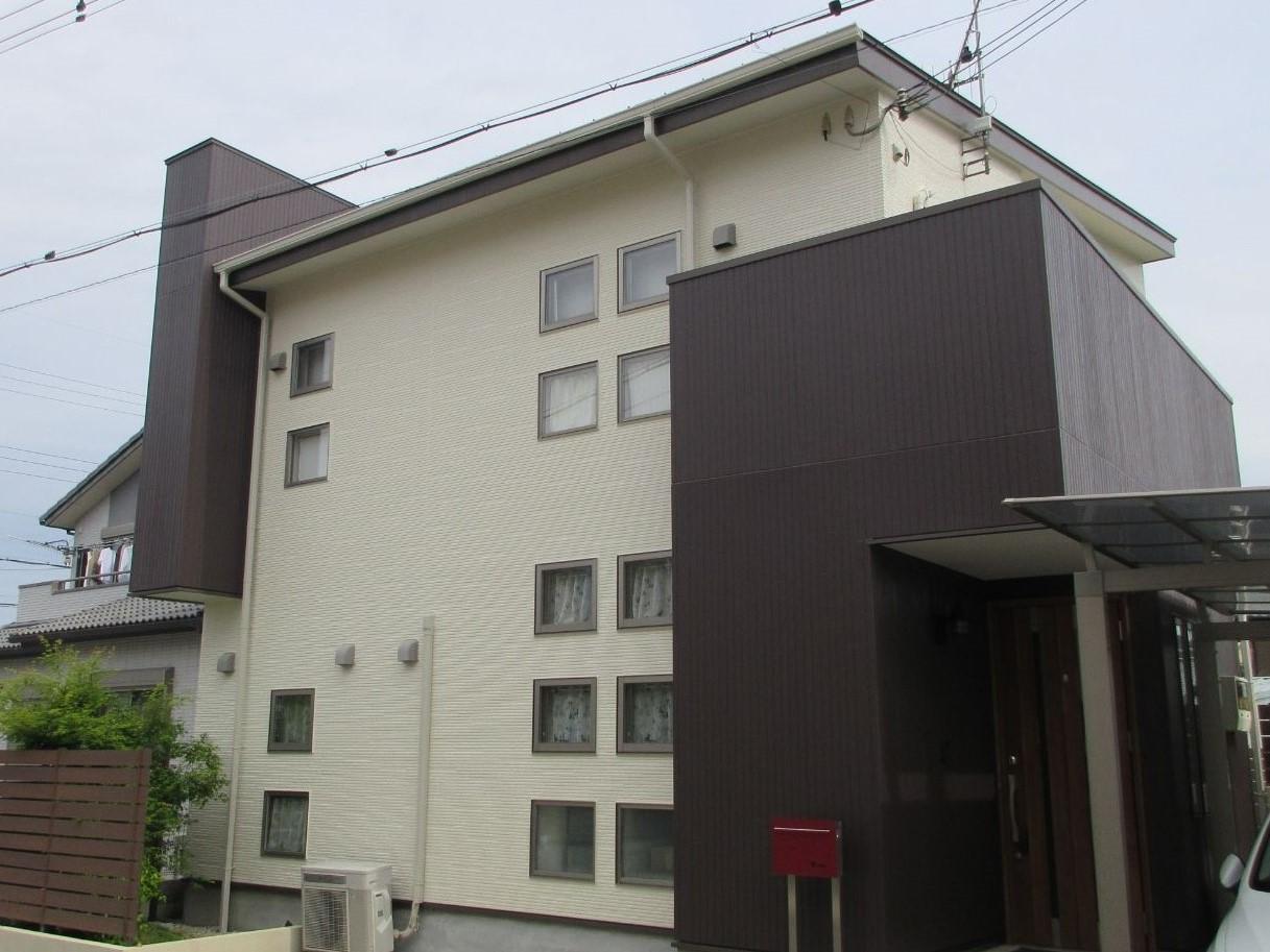 【岩出市】 N様邸 外壁塗装工事 『新築の様な美しさに♬』