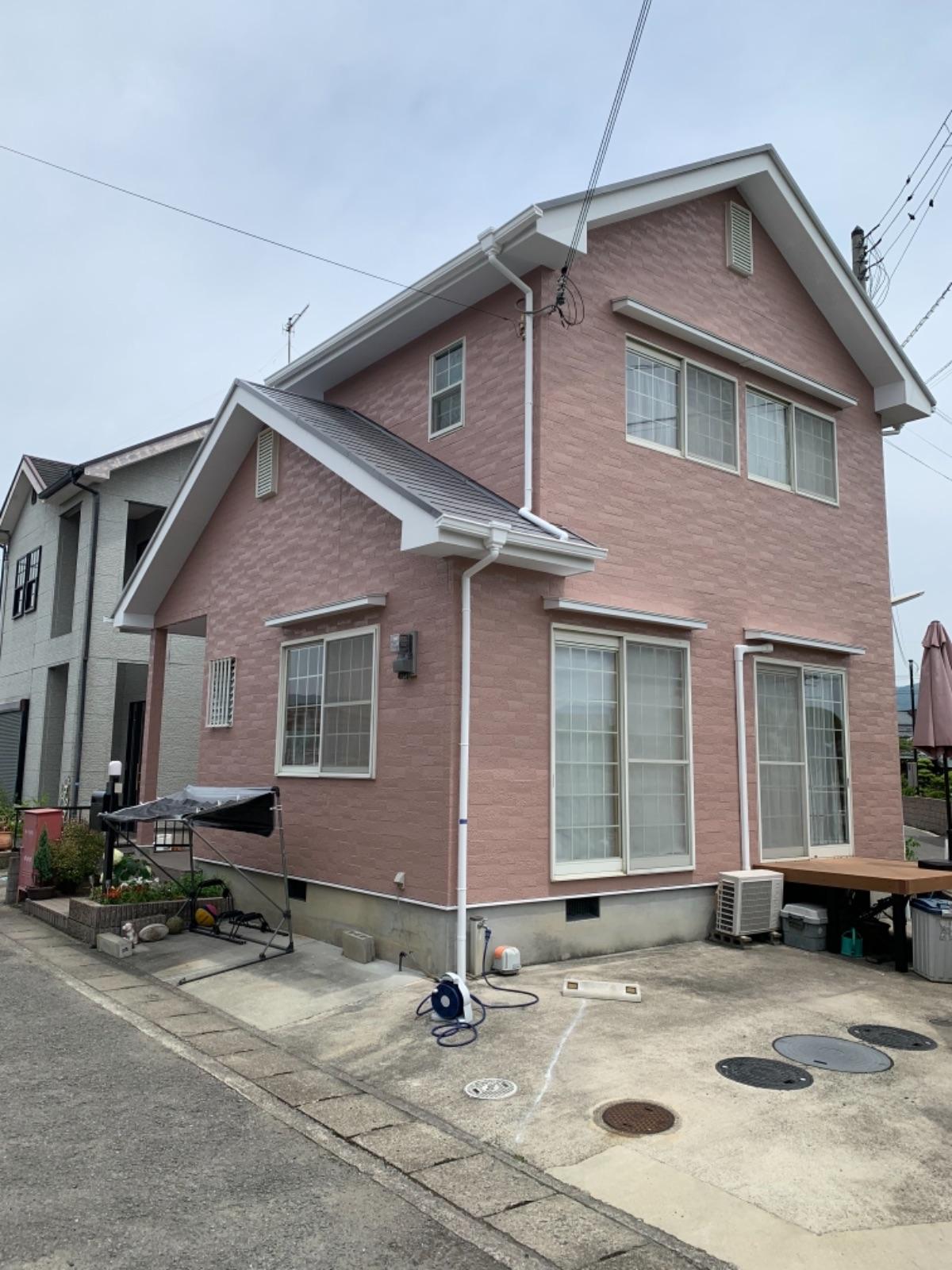 【岩出市】N様邸 外壁塗装・屋根塗装<br>『くすみピンクが印象的な可愛いお家に仕上がりました♪』